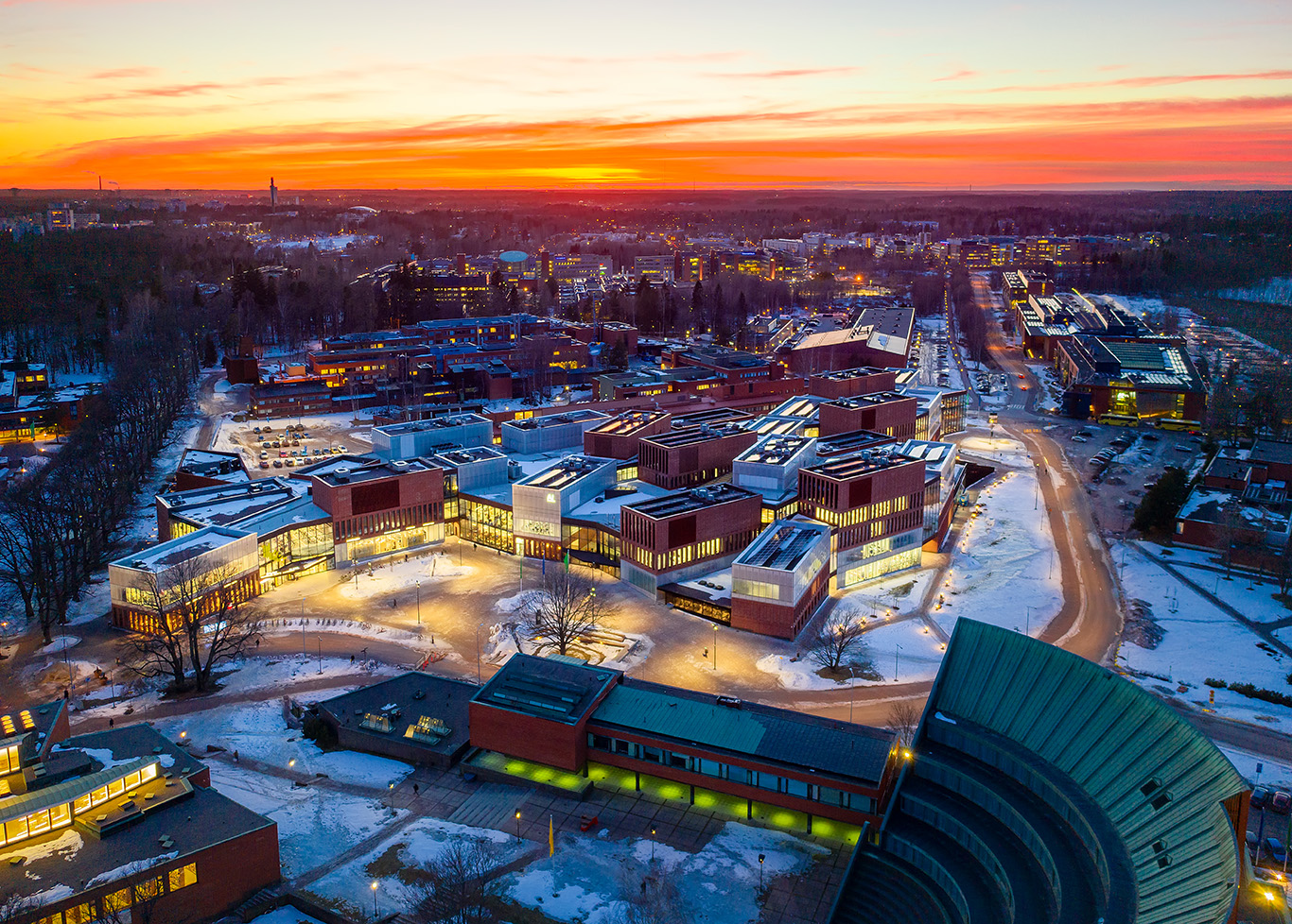 Aalto-yliopiston uusi kampusrakennus Espoon Otaniemessä.